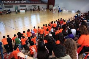 Il colpo d'occhio dei tifosi nero-arancio al Pala Volcan (di Amatori Messina)