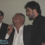 Il sindaco Failla abbraccia Famà (Basket Catanese)