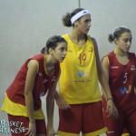 Carolina Pappalardo (la prima da sinistra) in allenamento con Azzurrina; ora andrà in Nazionale U16 (Basket Catanese)