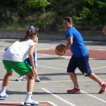 Antonella Terranella in difesa al Basket Ball Camp dell'Etna; la giocatrice di Priolo verrà alla Rainbow (Basket Catanese)