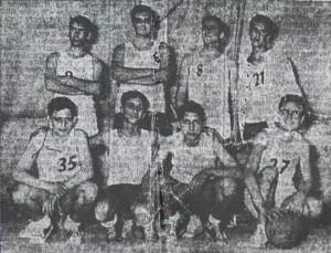 La formazione juniores della Mongibello, campionessa provinciale a metà degli anni sessanta e allenata da Puccio Corona (archivio Lillo Giuffrida)