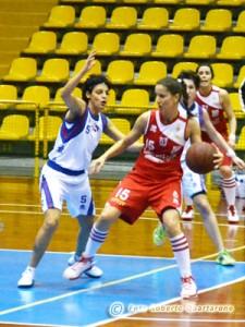 Mara Buzzanca difende su Lorena Venzo (foto R. Quartarone)