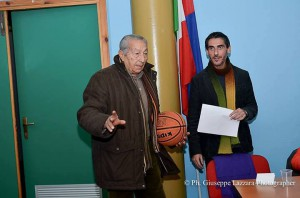 """Alfio Licciardello alla presentazione del """"Libro d'oro del basket catanese"""", il 21 dicembre 2013 (foto Giuseppe Lazzara)"""