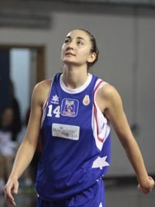Giuliana La Manna durante il derby con la Lazùr dello scorso anno (foto D. Anastasi)