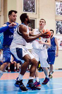 White e Arena, in marcatura André (foto G. Lazzara)