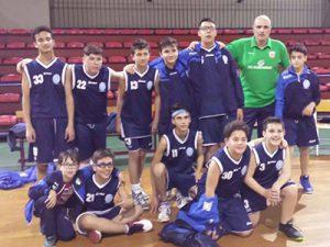 La formazione dell'Azzurra Belpasso vincitrice del campionato U-15 dell'AICS