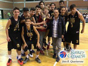 Il Cubs Catania Under-15 campione di Sicilia, premiato dal consigliere Aleo (foto R. Quartarone)