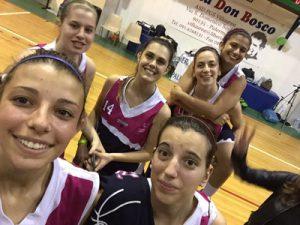 La Lazùr che ha giocato a Palermo: Licciardello (che scatta il selfie), Morabito, Lombardo, Miceli, Pappalardo e Privitera