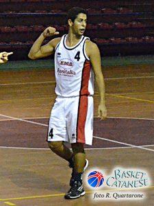 Mattia Viola quando giocava per l'Olimpia Battiati (foto R. Quartarone)